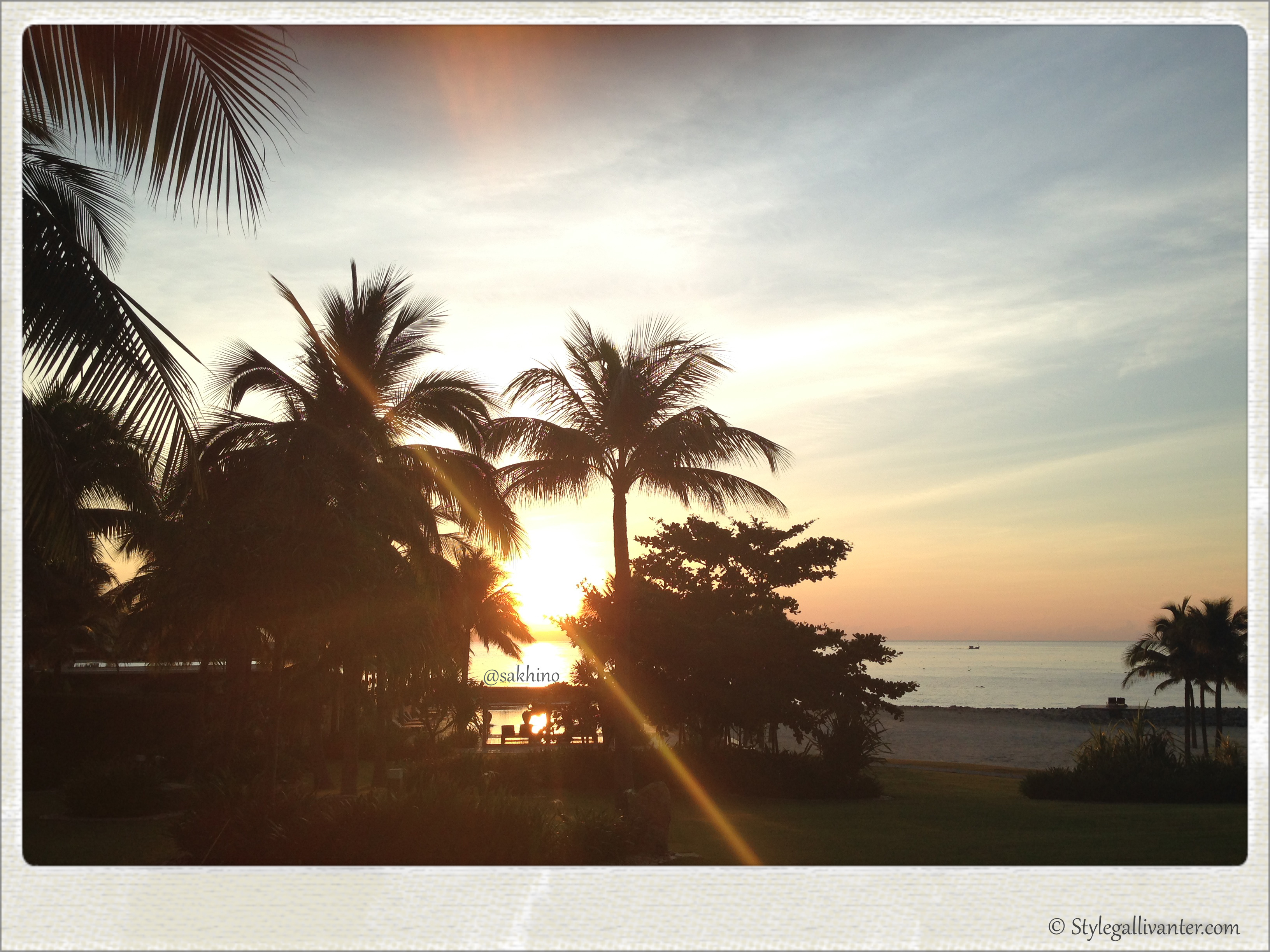 sunrise_nhatrang_vietnam-holiday_best-travel-bloggers_palm-trees_luxe-resorts_luxury-blogs