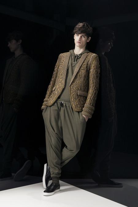 Balmain-FALL-2014-MENSWEAR_best-menswear-collections-2014_zebra-print-menswear_mens-printed-sports-jackets_good-looking-male-models_best-menswear-blogs-melbourne-australia_extravagant-mens-jackets_safari-trends-2014-menswear_mens-harem-pants