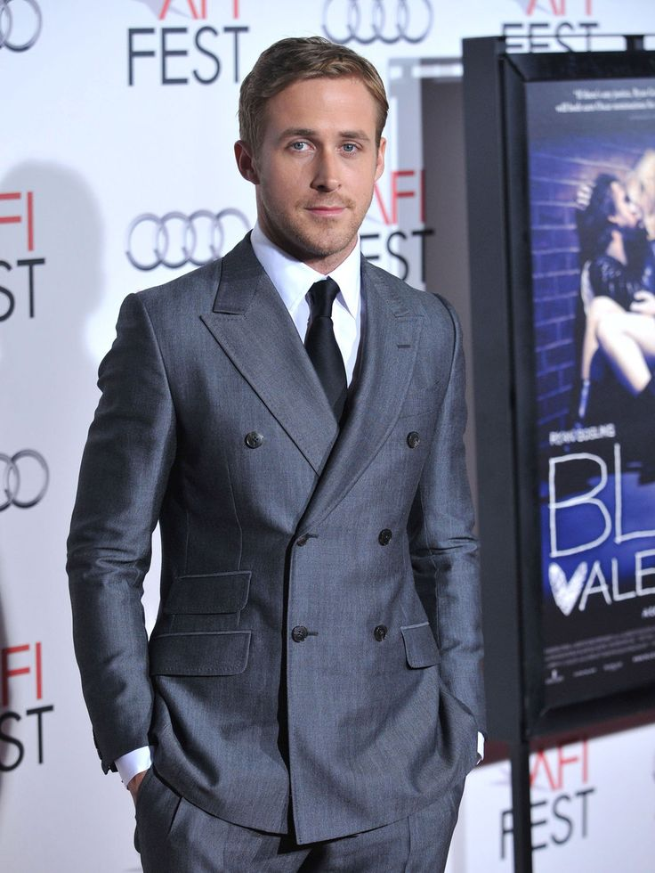 RYAN-GOSLING-IN-A-SUIT_RYAN-GOSLING-FASHION-STYLE_RYAN-GOSLING-NEW-GIRLFRIEND_RYAN-GOSLING-THE-NOTEBOOK_RYAN-GOSLING-AND-EVA-MENDES_HOLLYWOOD-STYLE-FASHION-ICONS_MENS-FASHION-STYLE-ICONS